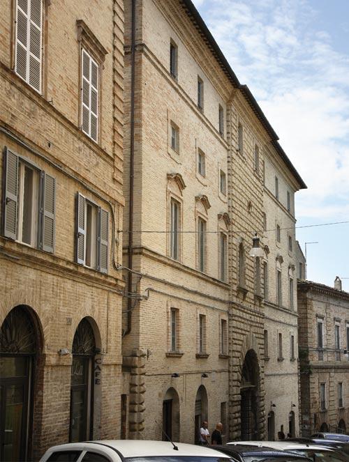 Restauro di Palazzo Paccarone a Fermo