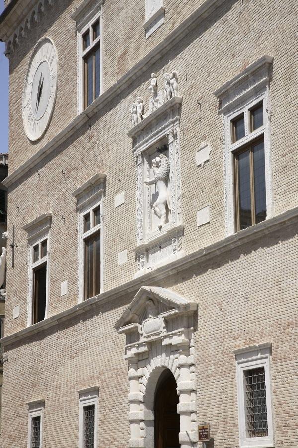 Restauro di Palazzo della Signoria di Jesi